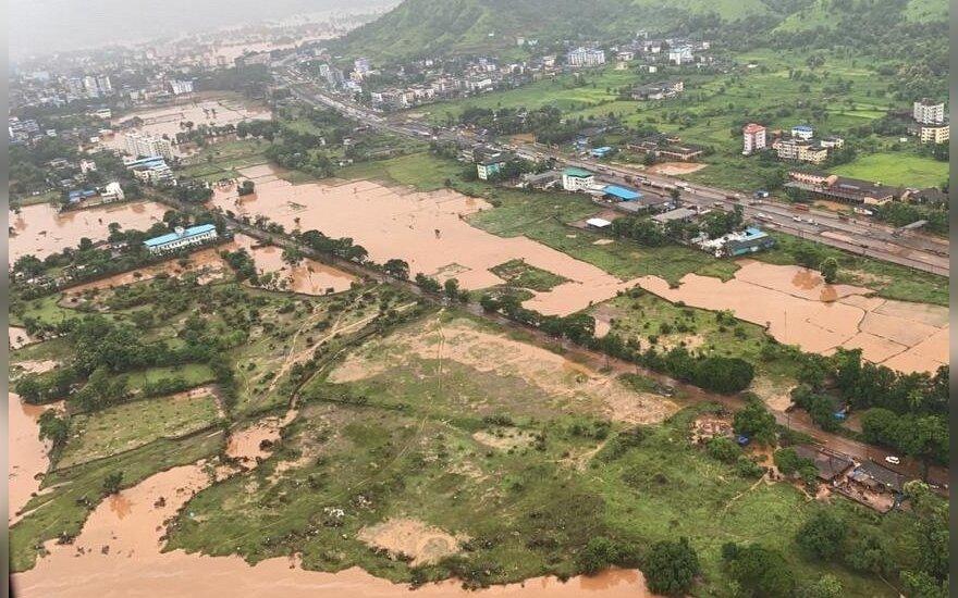 Indijoje nuslinkus trims nuošliaužoms žuvo 36, dingo dar dešimtys žmonių
