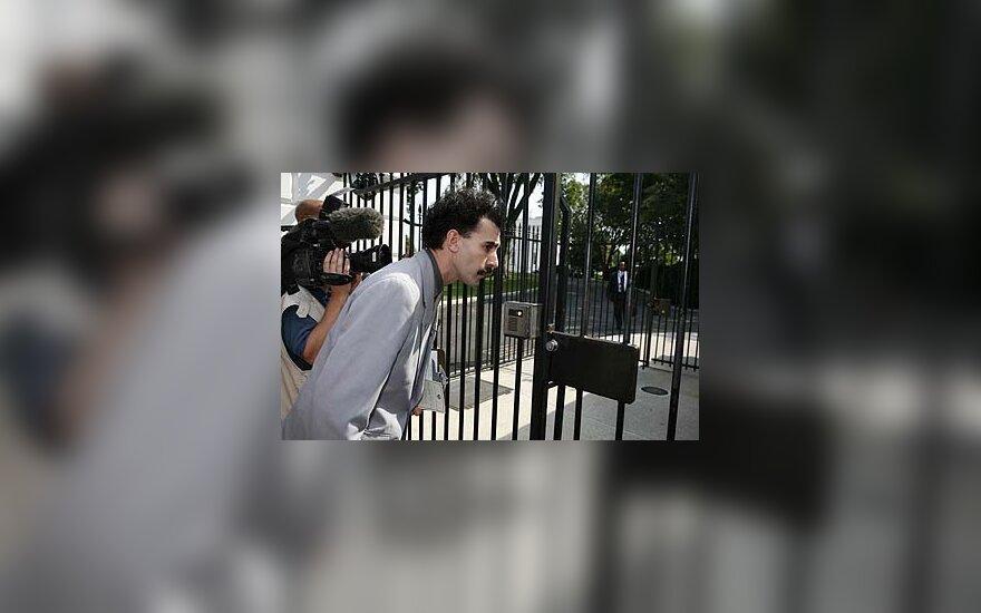 Boratas bando patekti į Baltuosius Rūmus
