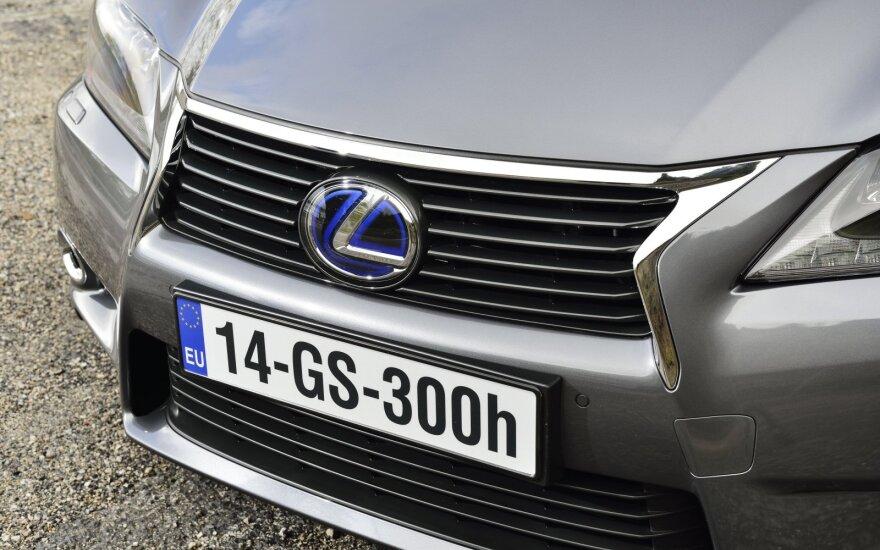 """Europiečiai """"Lexus"""" įvardijo kaip patikimiausią automobilių prekės ženklą"""