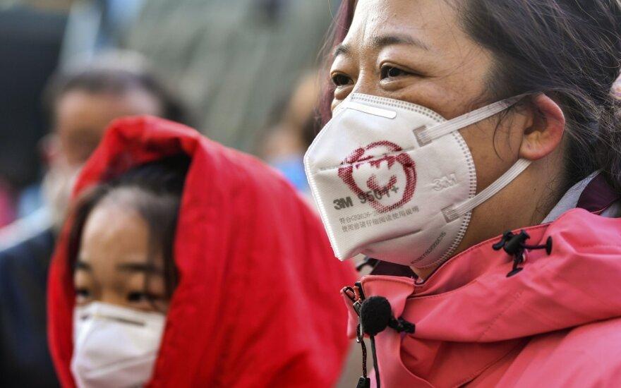 Kinija imasi drastiškų priemonių kovai su koronavirusu