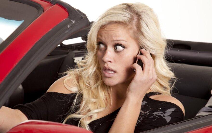 Prisijungus prie įmonės telefonų stotelės per 4 dienas prašnekėta už 24 tūkst. litų