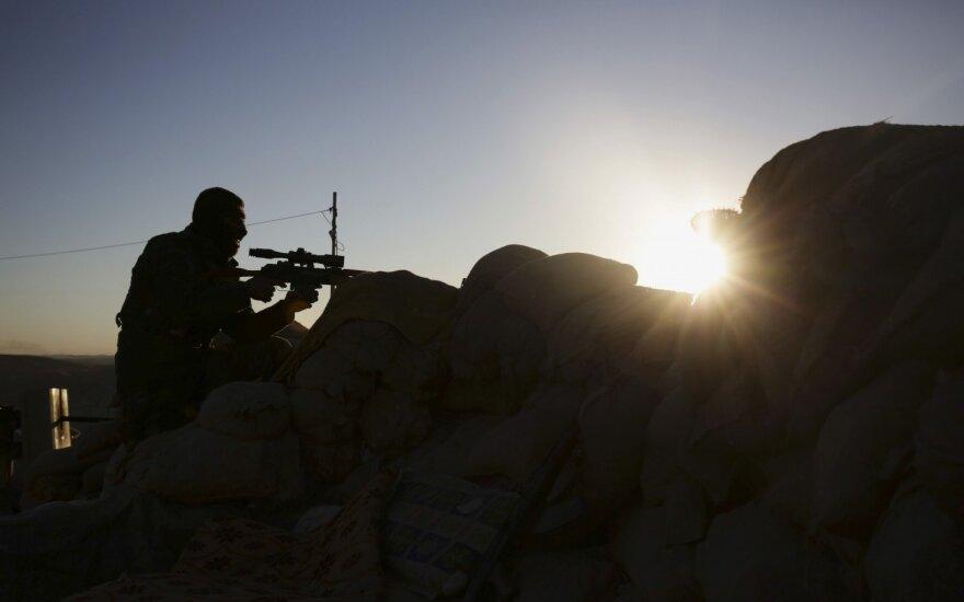 """Turkija """"nepriima"""" paliaubų Sirijoje su kurdų kovotojais"""