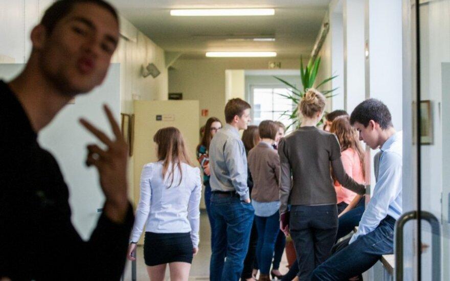 Naujas paskyrimas išgąsdino moksleivius ir studentus