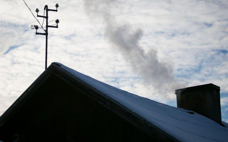 Oro tarša kyla tiesiai iš kaminų