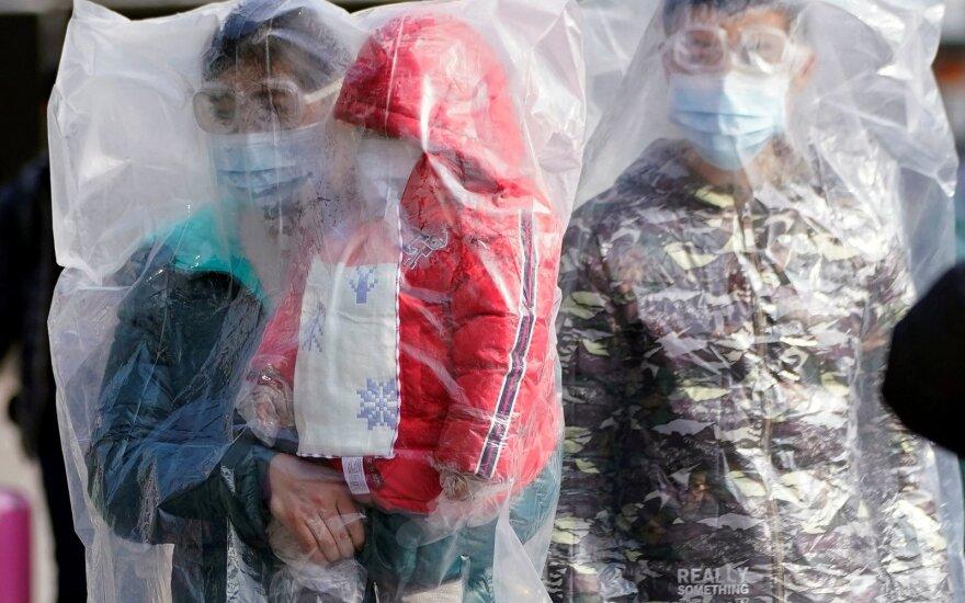 Užfiksuotas didžiausias aukų nuo koronaviruso skaičius: mirčių skaičiumi aplenkė SARS
