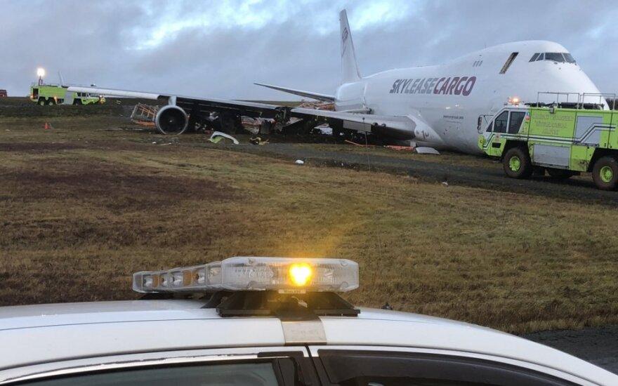 Kanados Halifakso oro uoste tūpdamas avariją patyrė krovininis lėktuvas