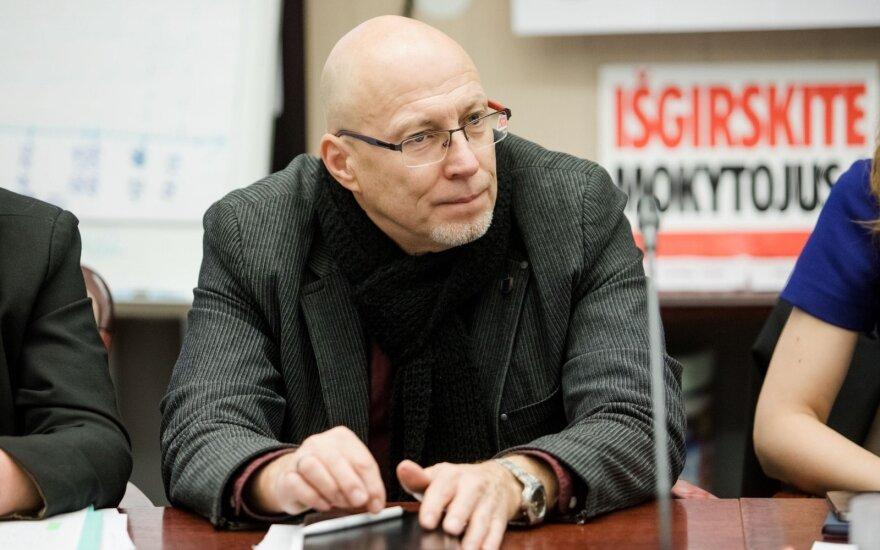 Nestreikuojančios švietimo profsąjungos vadovas įspėja: jei bus uždaromos mokyklos, mes streikuosim