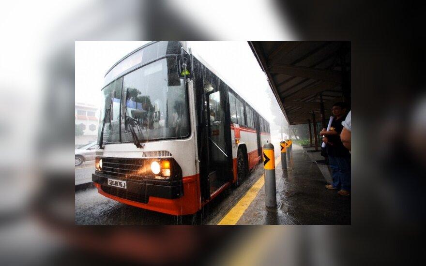 Panevėžyje į autobusą – tik pro priekines duris