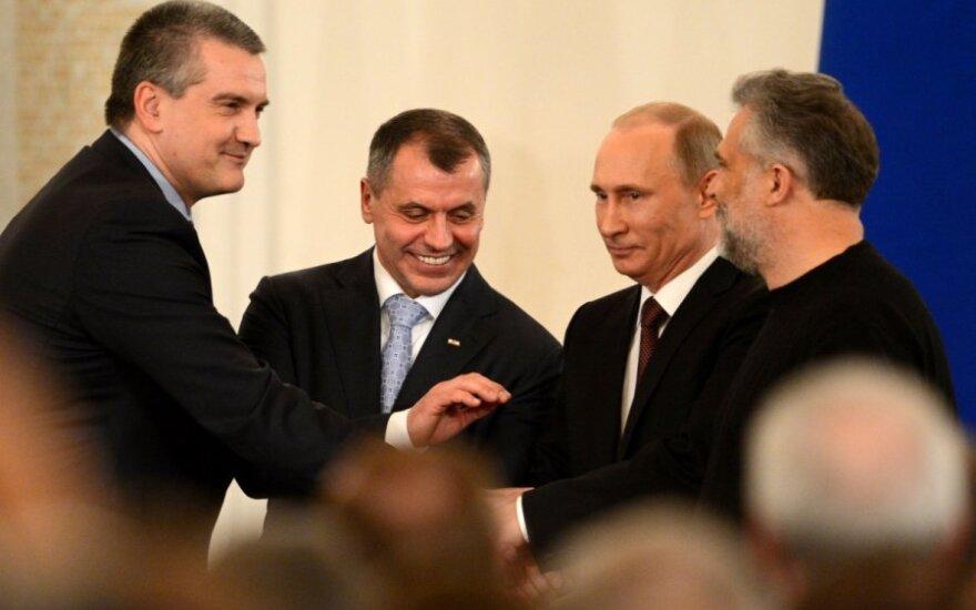 Kodėl Rusija pati save stumia į finansinę duobę?
