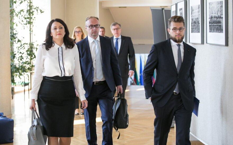 Naujų Vyriausybės atstovų apskrityse komandą tikimasi suformuoti per mėnesį