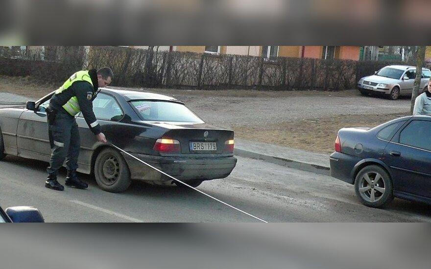 Ukmergėje paspirtuku į kelią išvažiavusį šešiametį mirtinai partrenkė BMW