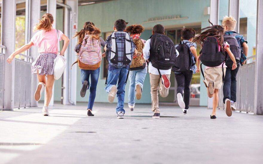 Iki lapkričio savivaldybes pasieks papildoma įranga hibridinėms pamokoms pandemijos metu