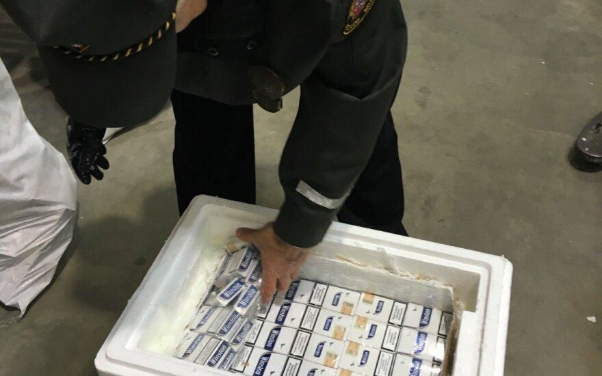 Muitininkams teko susitepti rankas: kontrabandą krapštė iš barsuko riebalų
