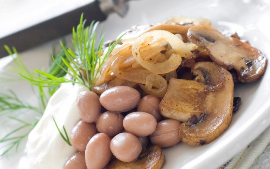 Pupelių salotos su grybais