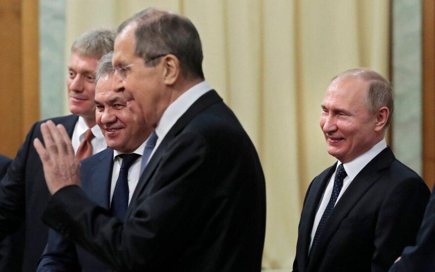 Dmitrijus Peskovas, Sergejus Šoigu, Sergejus Lavrovas, Vladimiras Putinas