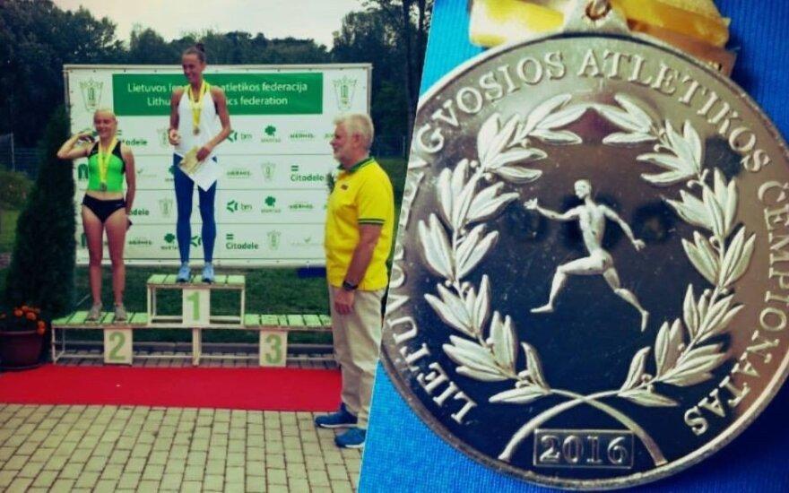 Lietuvos kliūtinio bėgimo čempionate – tik dvi dalyvės
