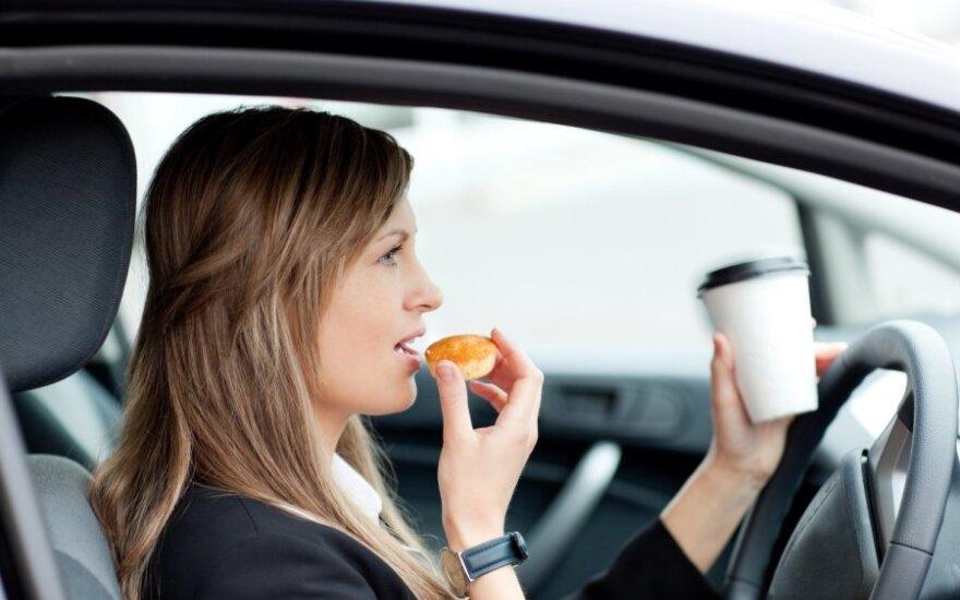 Valgymas prie vairo