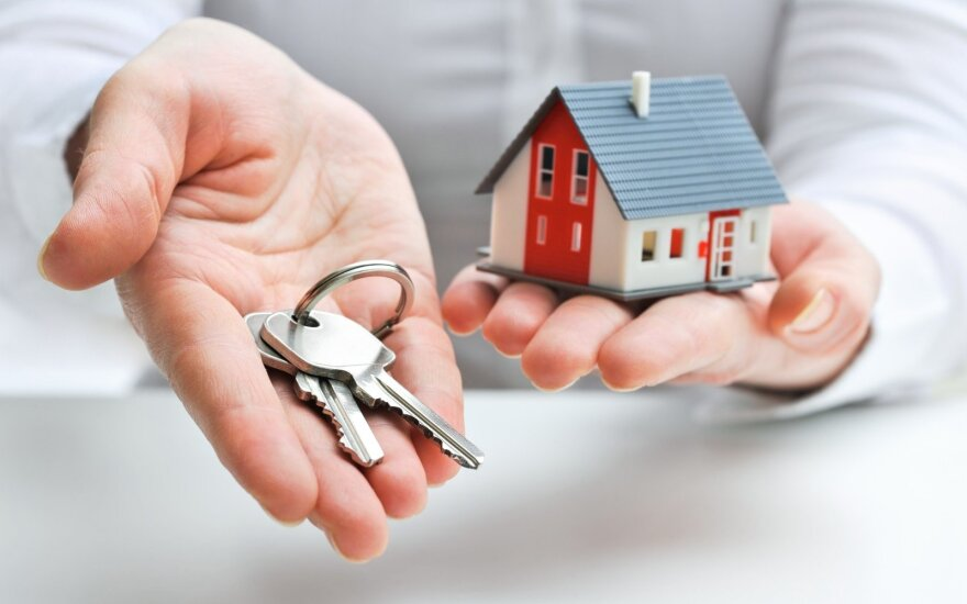 Seime kelią skinasi draudimas pernuomoti savivaldybės būstus
