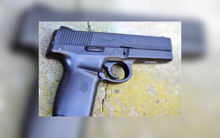 Per susišaudymą prekybos centre žuvo žmogus
