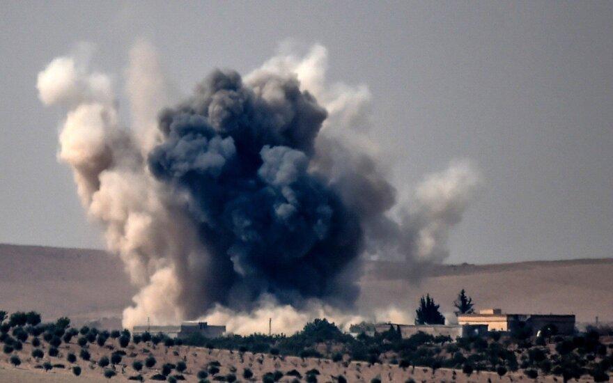 Turkijos karo lėktuvai atakavo kurdų kovotojų taikinius