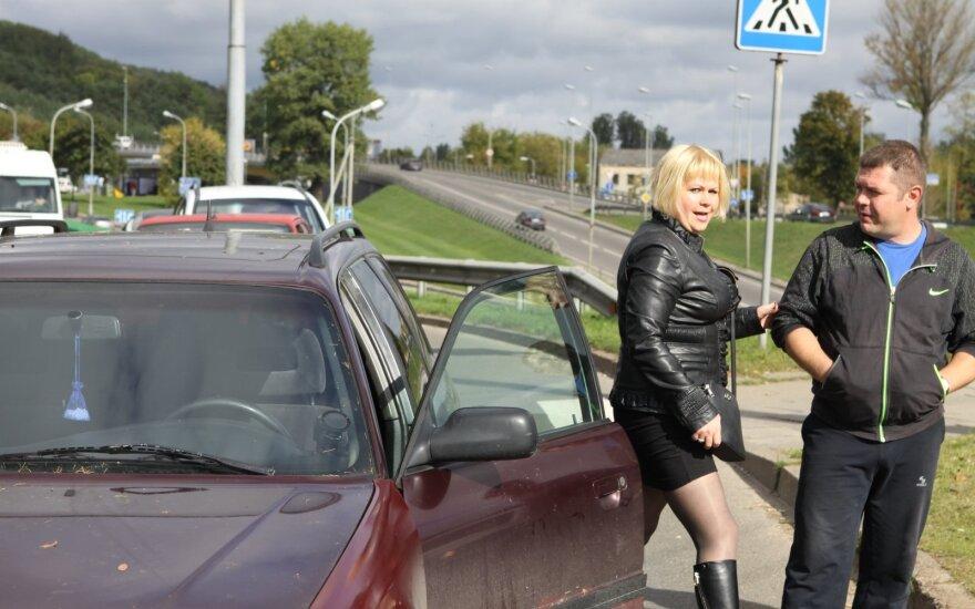 Vairuotojo pažymėjimo neturinti avarijos kaltininkė plūdo kitą vairuotoją