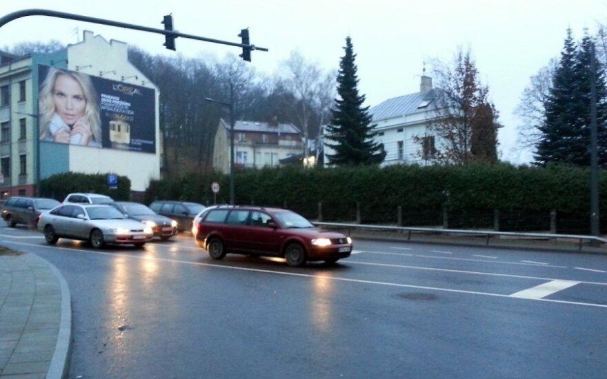 Kaune nauji šviesoforai lieka vairuotojams už nugarų