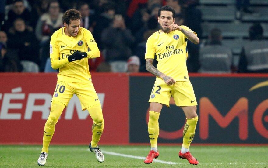 Neymaras (kairėje) ir Dani Alvesas