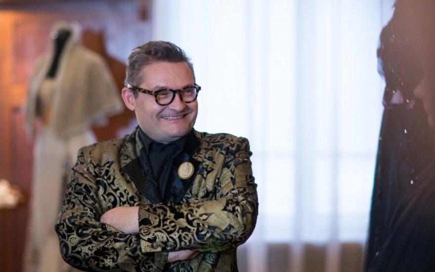 A.Vasiljevas savo kolekcijoje svajoja turėti J.Statkevičiaus suknelę