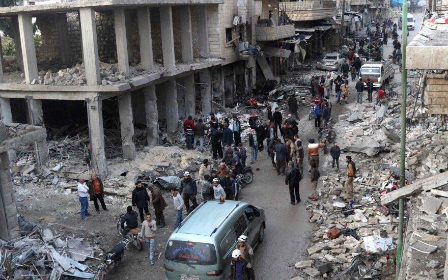Situacija kaista: Rusija telkia gausias pajėgas netoli Sirijos