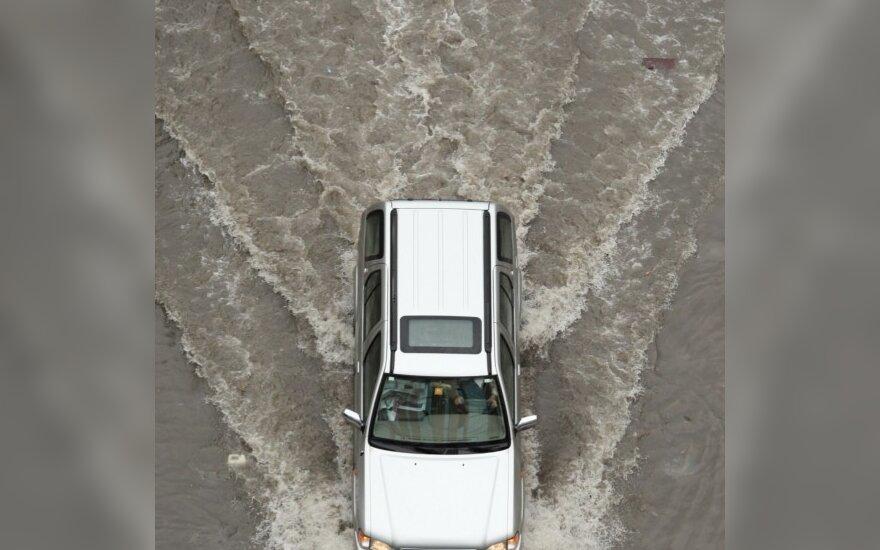 Stiprūs lietūs patvindė Antaliją
