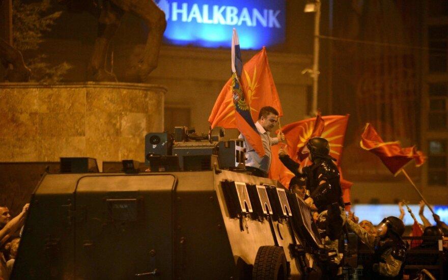 Makedonijoje per protestus prieš šalies pavadinimo keitimą sulaikyti 25 žmonės