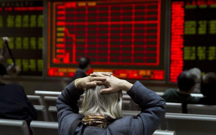 Euro zonos investuotojų nuotaikas gaubia prekybos karo nežinomybė