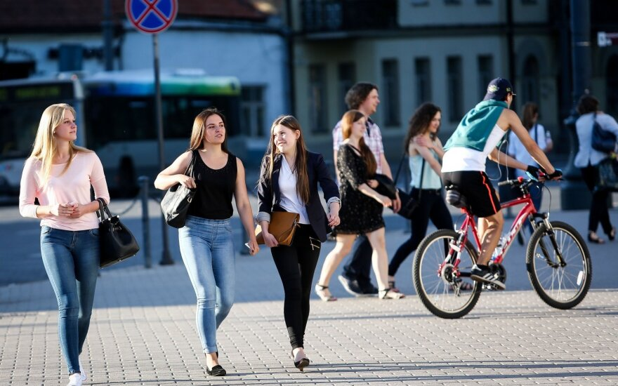 Lithuanian government earmarks EUR 50,000 for youth exchange with Ukraine