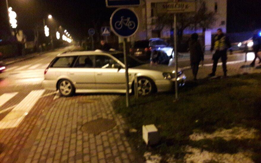 Sutikti Naujųjų į Palangą skubėję žmonės pateko į avariją