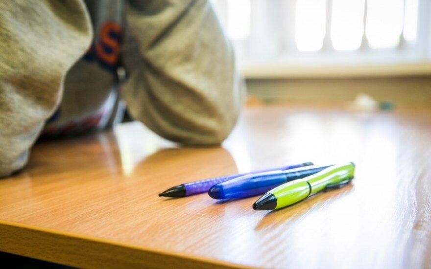"""Mokytojai dešimtokų patikrinimas sukėlė klausimų: stebiuosi, kodėl mokinių tėvai nekelia """"triukšmo"""""""
