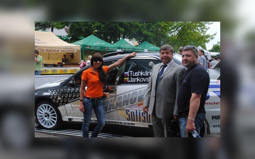 """Trakų vasaros sezono atidaryme dalyvavo ir """"Solisun Girls Racing Team"""" ekipažas"""