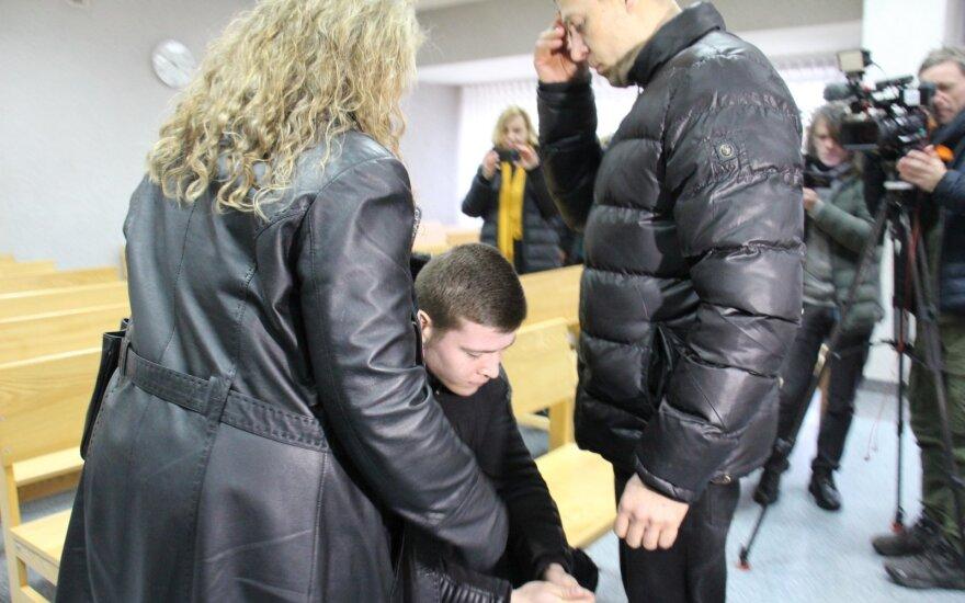 Žiauriai sumuštos merginos byla sukėlė pasipiktinimo bangą: rengiama peticija dėl bausmės
