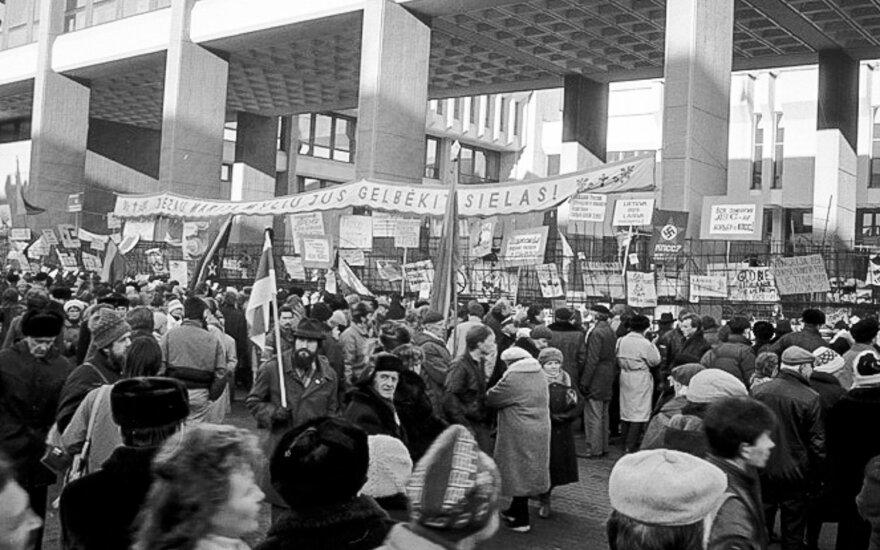 Neįtikėtina Sausio 13 d. istorija: kaip šeštokas Lenkijoje rinko pinigus, kad padėtų Lietuvai