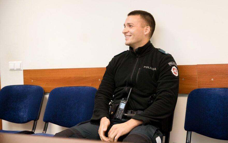 Po įžeidžiančio komentaro apie populiariausią Vilniaus policininką – įspėjimas: moteris turėjo teisę piktintis