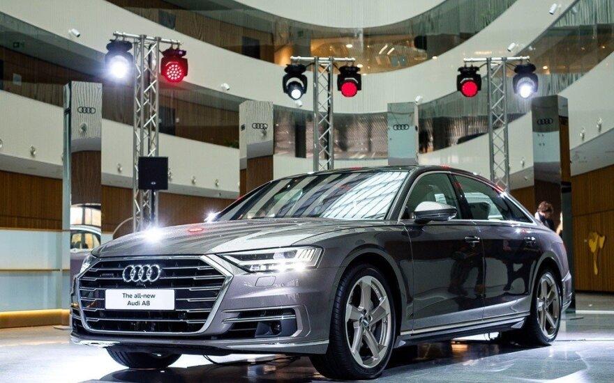 """Lietuvoje pristatomas ketvirtos kartos """"Audi A8"""""""