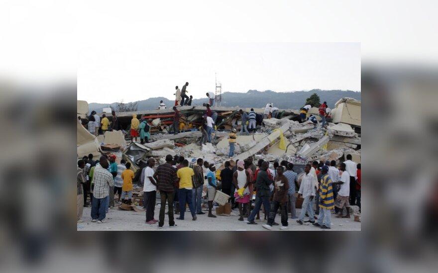 Haičio premjeras: aukų skaičius gali viršyti 100 tūkst.