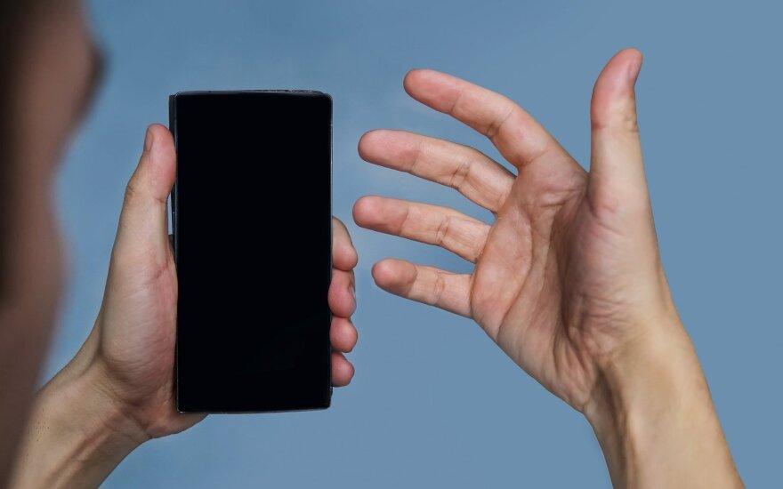 Operatoriai visame pasaulyje pradeda blokuoti vogtus telefonus