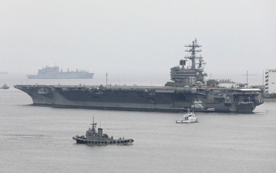 JAV Korėjos pusiasalio kryptimi siunčia antrą lėktuvnešį