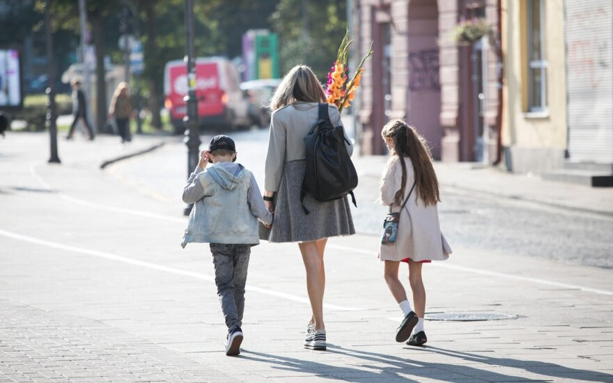 Papasakojo, kaip išmokyti vaikus gatvėje elgtis saugiai