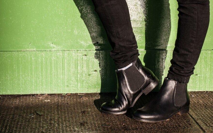 Kaip pigiai ir paprastai medžiaginius batus paversti atspariais drėgmei ir vandeniui