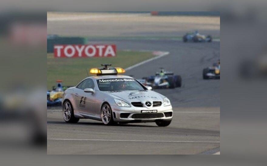 """2009 m. """"Formulės-1"""" taisyklių naujovės"""