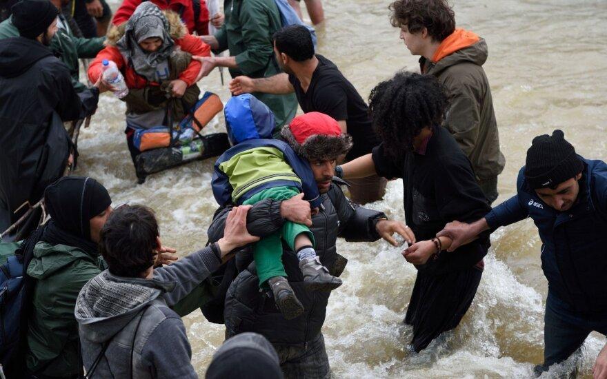 Pagalbos organizacijos darbuotojams mesti kaltinimai dėl pabėgėlių lytinio išnaudojimo