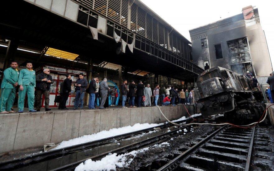 Egipte dėl 25 gyvybes nusinešusios traukinio avarijos areštuoti šeši asmenys