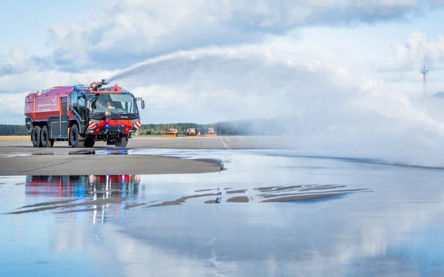 Palangos oro uoste budės ugniagesių automobilis