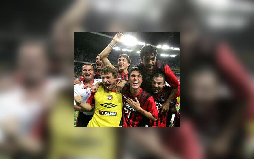 """""""Atletico Paranaense"""" klubo žaidėjai džiaugiasi patekę į """"Copa Libertadores"""" turnyro pusfinalį"""